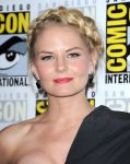 Celebrities Wonder 97626045_jennifer-morrison-comic-con_4.jpg