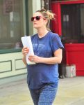 Celebrities Wonder 99194340_pregnant-drew-barrymore_8.jpg