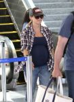 Celebrities Wonder 99296534_pregnant-reese-witherspoon_3.jpg