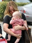 Celebrities Wonder 13013852_hilary-duff-son-Luca_8.jpg