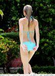 Celebrities Wonder 13312304_kate-hudson-bikini_4.jpg