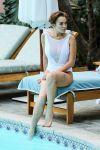 Celebrities Wonder 15312774_lindsay-lohan-swimsuit_7.jpg