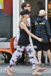 Celebrities Wonder 16181470_diane-kruger-joshua-jackson-Vancouver_6.jpg