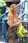 Celebrities Wonder 21570801_blake-lively-set-gossip-girl_6.jpg
