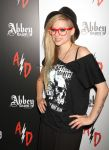 Celebrities Wonder 22656188_avril-lavigne-magic-convention_3.jpg