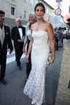 Celebrities Wonder 24717323_teri-hatcher-2012-Salzburg-Festival_3.jpg