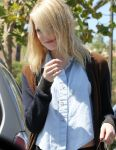 Celebrities Wonder 2541539_emma-stone-shopping_8.jpg