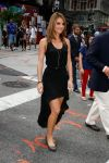 Celebrities Wonder 26662964_maria-menounos-crocs_4.jpg