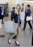 Celebrities Wonder 29012619_fergie-airport_2.jpg