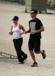 Celebrities Wonder 30217594_scarlett-johansson-jogging_1.jpg