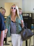 Celebrities Wonder 3083994_gwyneth-paltrow-lax-airport_4.jpg