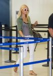 Celebrities Wonder 31535803_gwyneth-paltrow-lax-airport_3.jpg