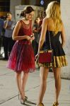 Celebrities Wonder 3194824_Blake-Lively-Leighton-Meester-set-Gossip-Girl_5.jpg