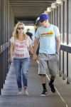 Celebrities Wonder 33975842_pregnant-reese-witherspoon-hospital_1.jpg
