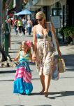 Celebrities Wonder 39921785_busy-phillipps-daughter_5.jpg