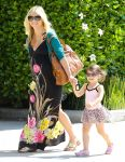 Celebrities Wonder 40229348_sarah-michelle-gellar-daughter_3.jpg