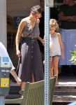 Celebrities Wonder 4067654_jessica-alba-family_5.jpg