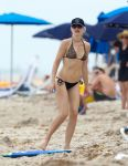 Celebrities Wonder 41088422_gwen-stefani-bikini_3.jpg