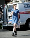 Celebrities Wonder 42486443_anne-hathaway-denim-dress_4.jpg