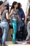 Celebrities Wonder 43672320_selena-gomez-set_2.jpg