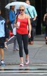 Celebrities Wonder 44508487_cameron-diaz-leggings_4.JPG