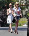 Celebrities Wonder 47463804_kirsten-dunst-shorts_4.jpg
