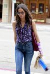 Celebrities Wonder 47621504_zoe-saldana-beverly-hills_3.jpg