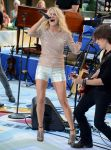 Celebrities Wonder 51026299_carrie-underwood-today-show_6.jpg