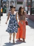 Celebrities Wonder 54645546_vanessa-hudgens-shopping_6.jpg