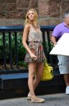 Celebrities Wonder 55156779_blake-lively-set-gossip-girl_3.jpg