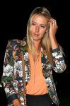Celebrities Wonder 55234136_maria-sharapova-zuma-restaurant_7.jpg