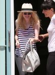 Celebrities Wonder 5586703_dakota-fanning-gym_8.jpg
