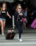 Celebrities Wonder 57973332_emma-roberts-lax_5.jpg