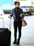 Celebrities Wonder 58105646_miranda-cosgrove-airport_1.jpg
