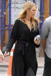 Celebrities Wonder 58141376_blake-lively-set-gossip-girl_5.jpg