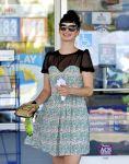 Celebrities Wonder 60552554_krysten-ritter-gas-station_8.jpg
