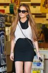 Celebrities Wonder 60981546_lindsay-lohan-cvs-pharmacy_5.jpg