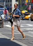 Celebrities Wonder 62607304_katie-holmes-nyc_3.jpg