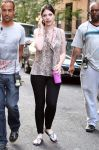 Celebrities Wonder 63325769_michelle-trachtenberg-gossip-girl-set_3.jpg