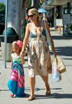 Celebrities Wonder 64088393_busy-phillipps-daughter_4.jpg