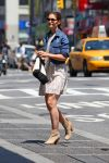 Celebrities Wonder 64471195_katie-holmes-nyc_2.jpg