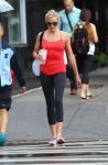 Celebrities Wonder 6448427_cameron-diaz-leggings_5.JPG