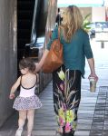Celebrities Wonder 64708151_sarah-michelle-gellar-daughter_8.jpg