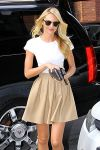 Celebrities Wonder 64894805_Candice-Swanepoel_5.jpg