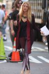 Celebrities Wonder 65328673_blake-lively-set-gossip-girl_5.jpg