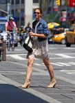 Celebrities Wonder 67099870_katie-holmes-nyc_1.jpg