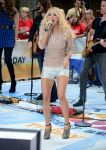 Celebrities Wonder 70909583_carrie-underwood-today-show_3.jpg