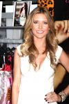 Celebrities Wonder 711737_audrina-patridge-magic-Convention_5.5.jpg