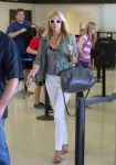 Celebrities Wonder 73204367_gwyneth-paltrow-lax-airport_1.jpg