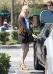Celebrities Wonder 75255031_emma-stone-shopping_6.jpg